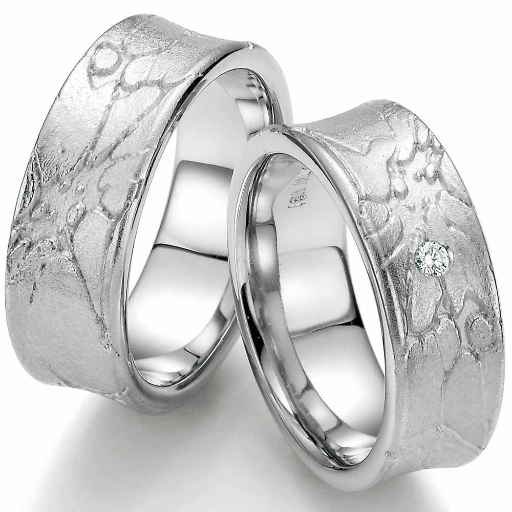 Ausgefallene Trauringe aus Silber mit toller Oberflächenstruktur