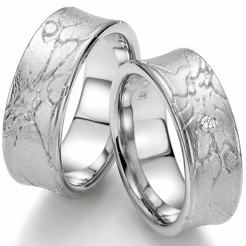 Ausgefallene Trauringe Aus Silber Mit Toller Oberflachenstruktur