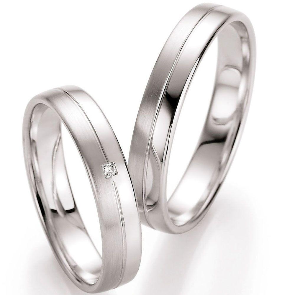 Filigrane Hochzeitsringe Langsmatt Und Glanzend