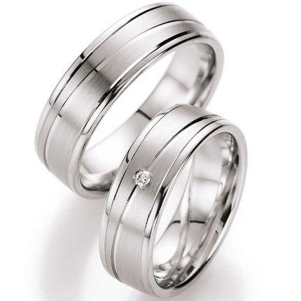 Eheringe aus Silber mit diagonaler Rille