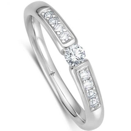 breiter Verlobungsring mit großen Brillanten als Spannring mit seitlichem Verlauf