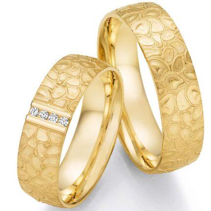 Von der Natur inspierierte Eheringe aus Gelbgold mit Brillanten in einem Ring