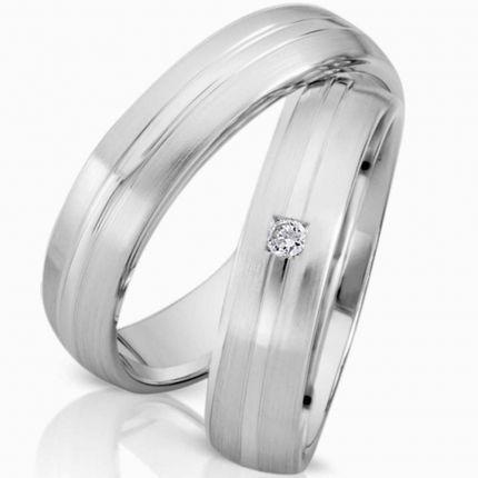 Zeitlose Ringe aus Silber mit matten und polierten Oberflächen, wahlweise Brillant oder Zirkonia