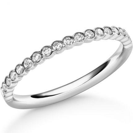 Memoire Ring mit 18 Brillanten in besonderer Fassung
