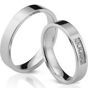 Klassische gerade Ringe aus poliertem Silber, wahlweise mit 5 Zirkonia
