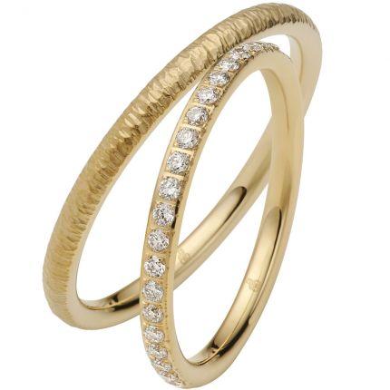 Filigrane Ringe aus Gelbgold mit Relief-Optik und Brillanten