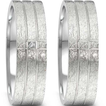 Hochzeitsringe mit eismatter Oberfläche und polierten Rillen