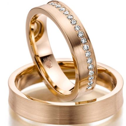 Konkaves Ringpaar mit 21 Brillanten