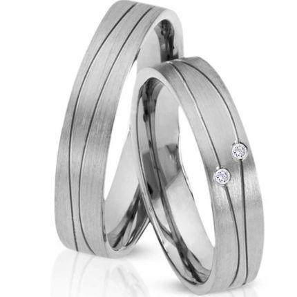 Ringe aus Silber mit ungewöhnlichem Rillenmuster, wahlweise 2 Brillanten oder Zirkonia