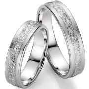 Eheringe aus Silber mit außergewöhnlicher Oberfläche
