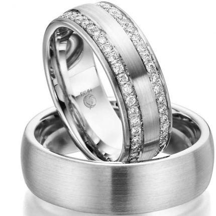 Exklusives Ringpaar mit zwei Brillantkränzen