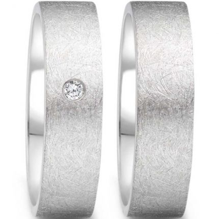 Ringpaar in gerade Form mit eismatter Oberfläche