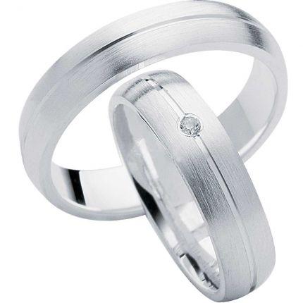Ringe aus längsmatten Silber und mittiger Fuge und wahlweise Zirkonia