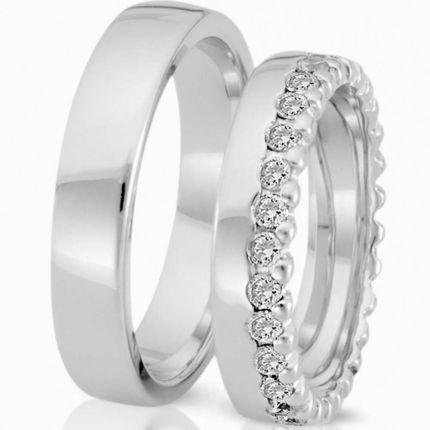 Schlichte Ringe aus poliertem Silber und wahlweise 29 Brillanten oder Zirkonia