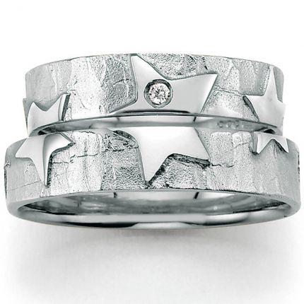 Eheringe mit Sternen - Symbol aus Silber