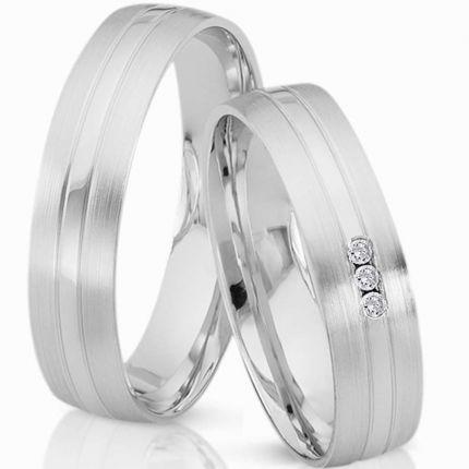 Ringe, längs matt und poliert, aus Silber und wahlweise 3 Brillanten oder Zirkonia