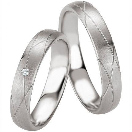 Hochzeitsringe aus Silber mit außergewöhnlichen Rillen