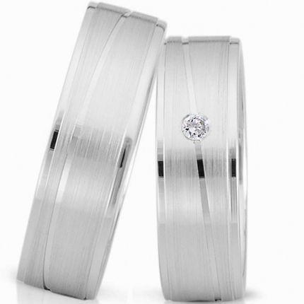 Ringe aus Silber in matt mit polierten Rändern, wahlweise mit Brillant oder Zirkonia
