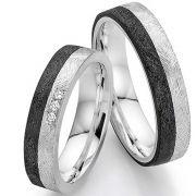 Einzigartige Ringe aus Carbon mit Silber und eismatter Oberfläche