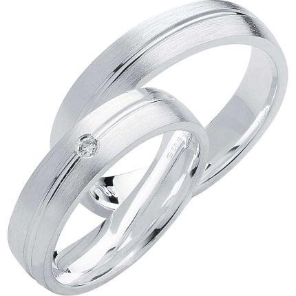 Längsmatte Ringe aus Silber mit diagonaler Fuge und wahlweise Zirkonia