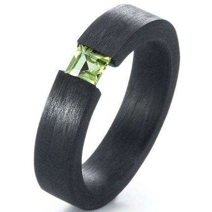 Verlobungsring mit Peridot aus Carbon