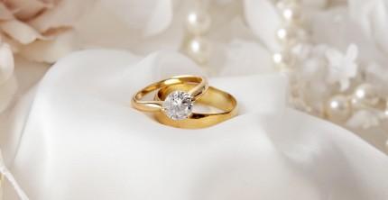 Verlobungsring und Ehering – wo liegen die Unterschiede?