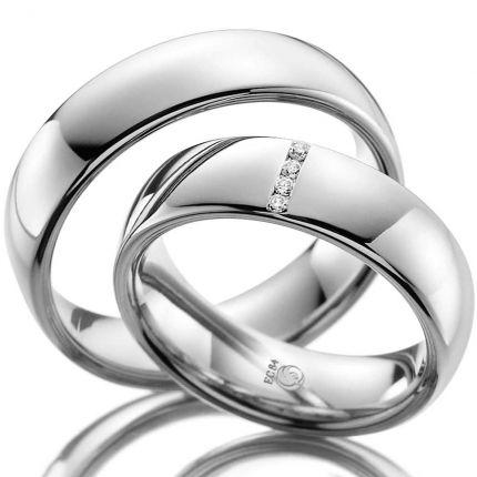 Ringpaar mit 4 quer gefassten Brillanten