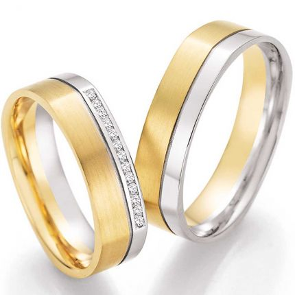 Viereckige Ringe aus Weiss,-und Gelbgold mit Fuge und Brillanten