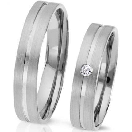 Ringe aus Silber längsmatt und mittlerer polierter Fuge, wahlweise Brillant oder Zirkonia
