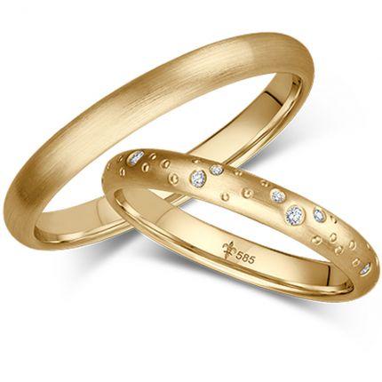 Wunderschöne Eheringe mit umlaufend verteiltem Sternenhimmel aus Gelbgold