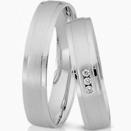 Ringe aus Silber, matt mit polierten Rändern und wahlweise 3 Brillanten oder Zirkonia
