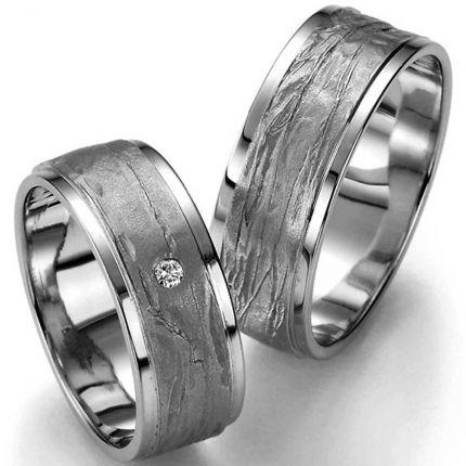 Ringe aus Silber mit unterschiedlichen Oberflächen