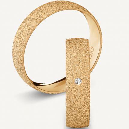5 mm breite, diamantierte Eheringe aus Roségold mit wahlweise Brillant
